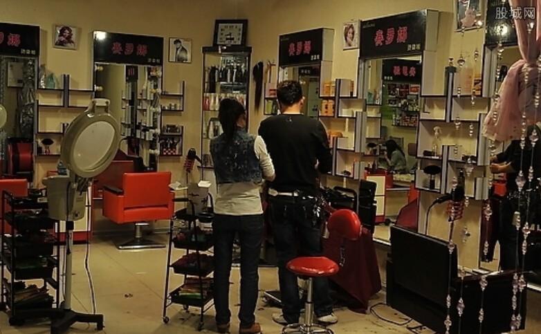 长沙天价理发店被罚12万元,经营者已接收告知书