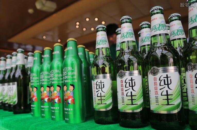 青岛啤酒多少钱一箱 青岛啤酒一罐330多少钱