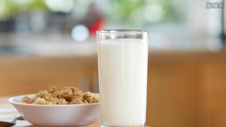 纯牛奶可以加热吗