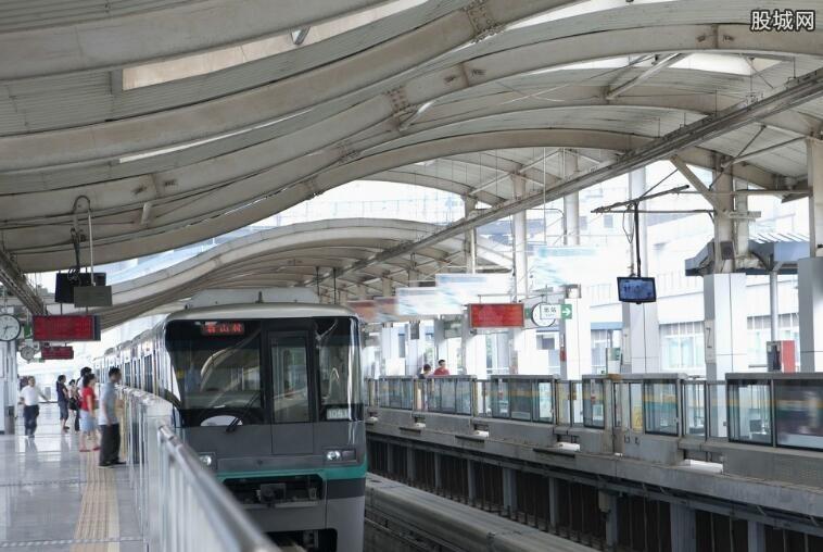 重庆西站开接驳车