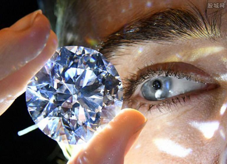 世界最珍稀白钻