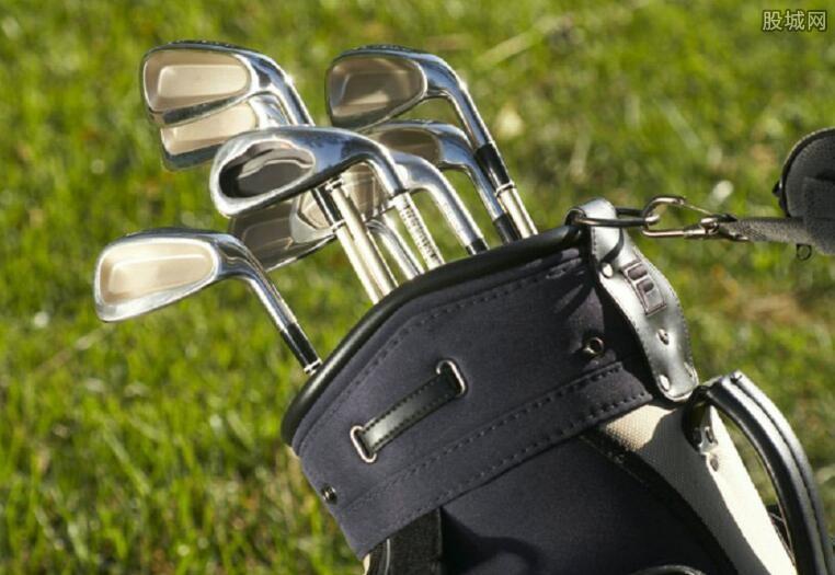 高尔夫球杆多少钱
