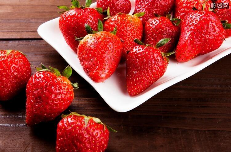 大妈偷草莓罚八千