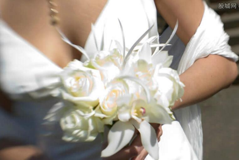 新娘被高价拍卖