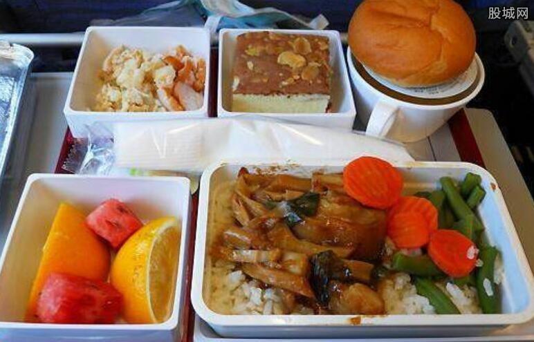 飞机餐吃出异物航空公司道歉