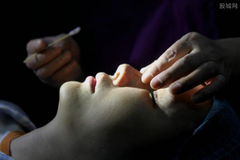 隆鼻子手术多少钱 隆鼻子一般能保持多久?