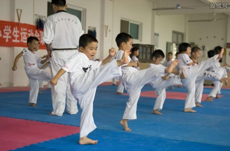 少儿培训班每年要2万左右