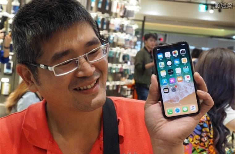 苹果将发布三款新iphone