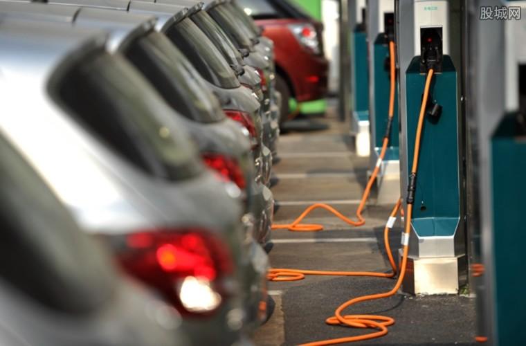 纯电动出租车收费多少