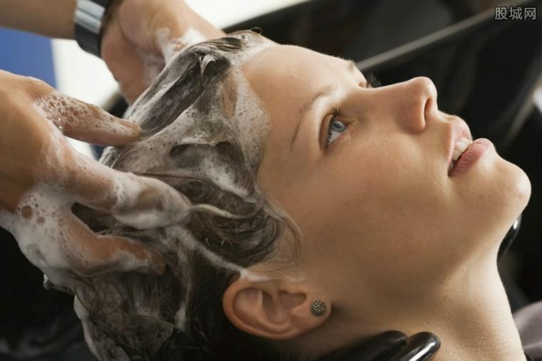 女研究生洗发被忽悠