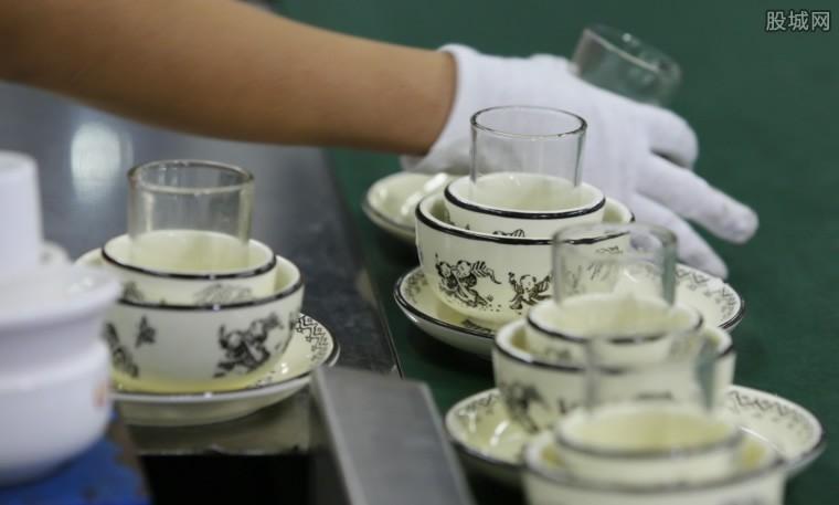 济南知名饭店餐具存在隐患
