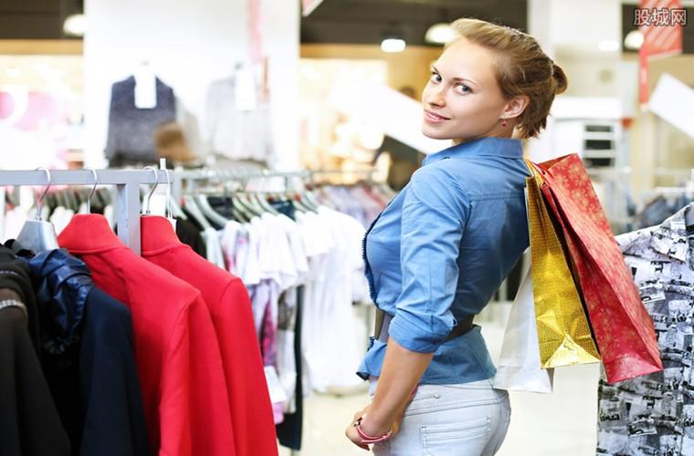 导购员不停让你试穿衣服?