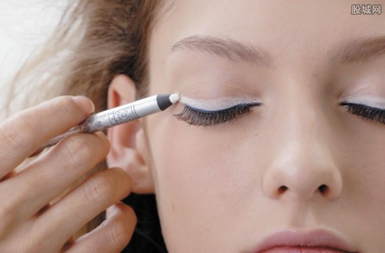 化妆品消费增幅大