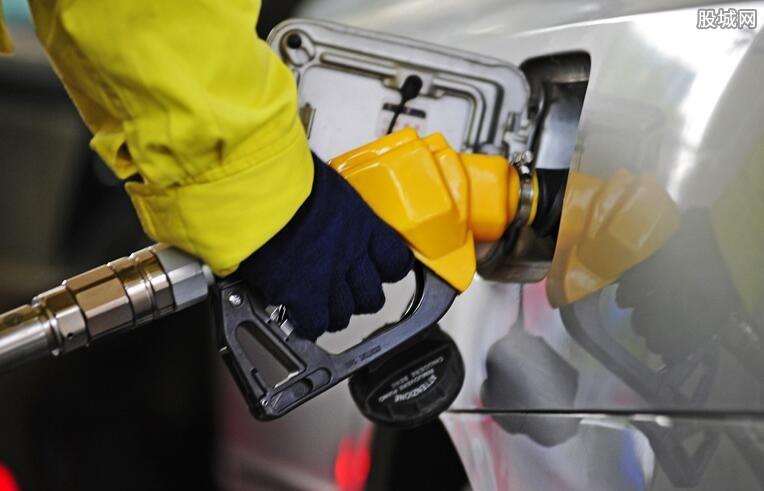 """国际油价上涨3% 春节后油价难道要""""三连涨""""?"""