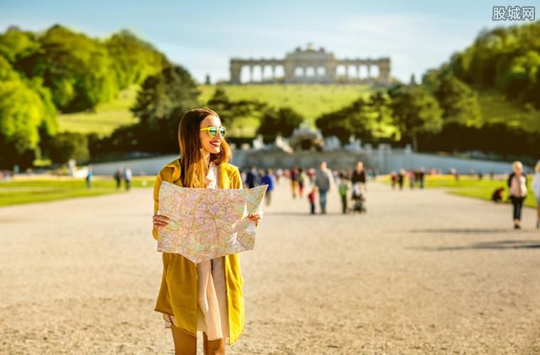 出国旅游人数超1亿人次