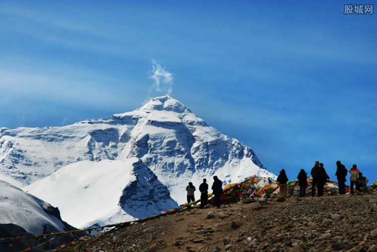 珠穆朗玛峰