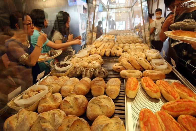 面包吃出异物