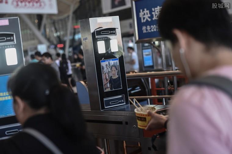 中国首条3D刷脸乘车地铁 无需自助购票排队