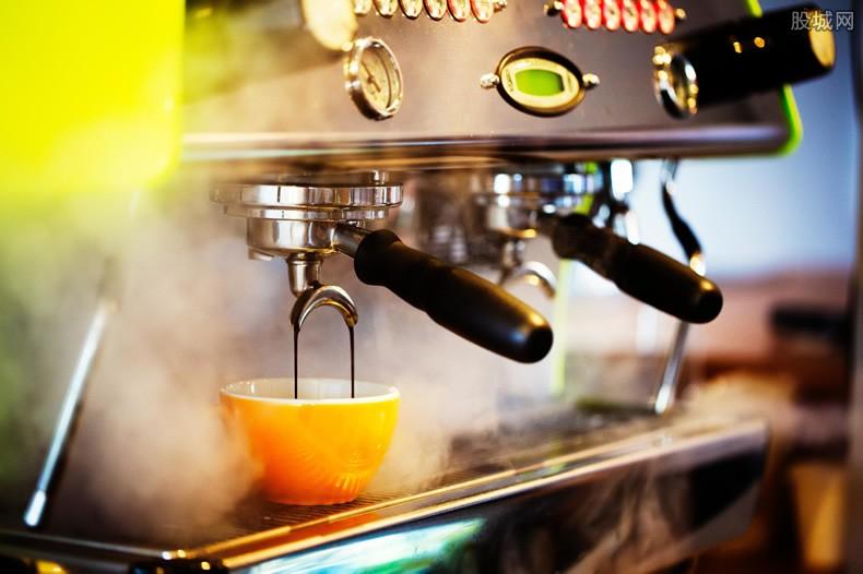 咖啡店收尖叫费 孩子吵闹就多收15%费用合理吗