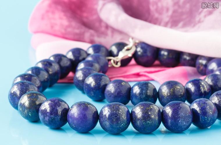 大量蓝宝石价值15万多