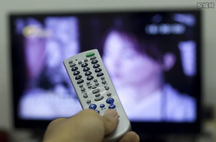 电视机深夜自动开机大笑