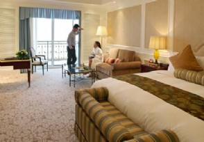 情侣发现客房摄像头 负责人称80%的酒店都有