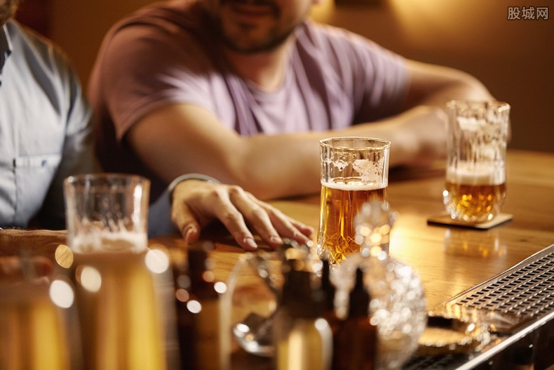 如何防范酒托