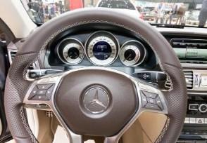 奔驰E260高速失速 车主拒签保密协议换新车