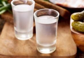 白酒消费呈现两极化 飞天茅台酒依旧一瓶难求