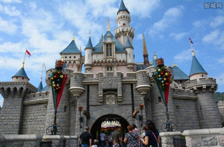 上海迪士尼重开放 今天起还将采取限流及预约等措施