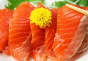 三文鱼价格暴跌 携带新冠病毒现在还能吃吗?