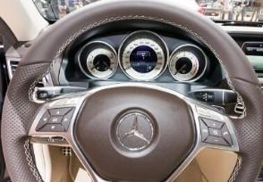 110万奔驰高速熄火 4S店提出方案大换发动机