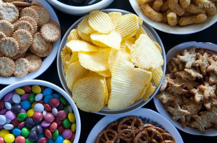 吃乐事薯片会感染新冠吗
