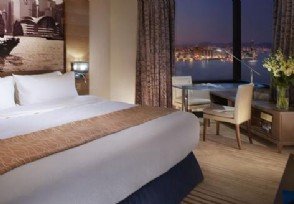 越南24K纯金酒店开业每晚入住费用高达250美元
