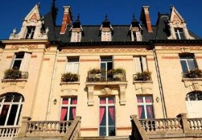 1500多套法国古堡庄园大降价花500多万即拥有