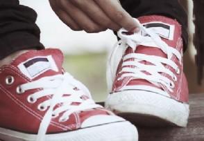 小伙卖假鞋赚7千万警方查获得大量假冒品牌