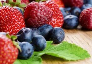 云南芒市免费发水果 不要钱的你想吃吗?