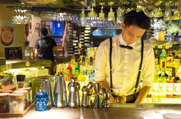 西班牙暂停全国酒吧等场所