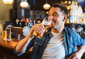 3男子喝117瓶啤酒 仅点3份黄瓜配花生账单引热议