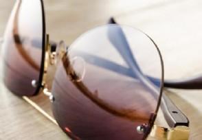 明月镜片的成本价只要六元 每副零售价竟数百元不等
