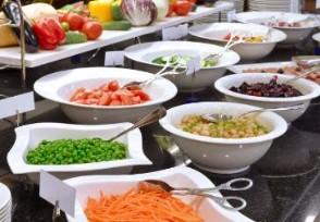 教育部谈拼�u菜供餐鼓励学校食堂按量收费