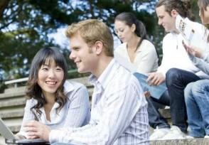 英国包机接中国留学生享受14天免费的隔离住宿