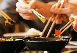 开餐馆25年未涨价早餐2.5元中餐6元