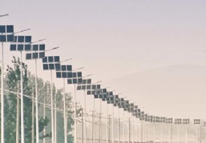 太阳能路灯价格多少与普通路灯相比有什么优势?