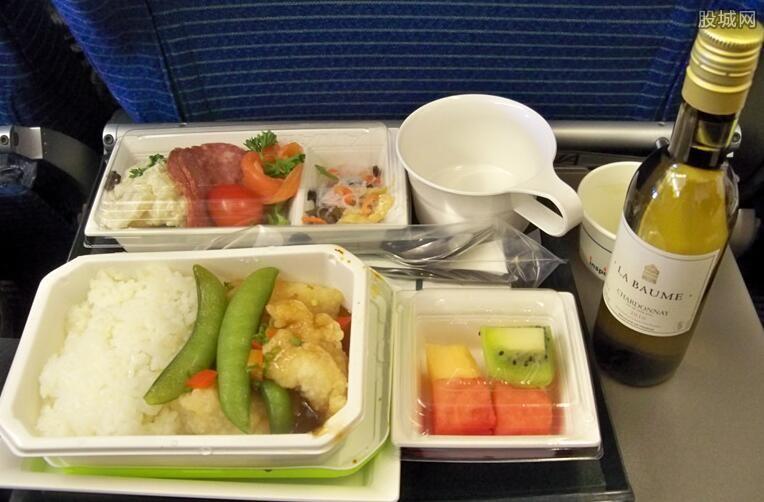 新加坡航空推飞机餐厅 可以边吃边看电影