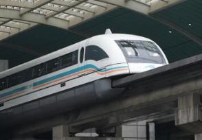 高铁应该所有车厢静音吗此事引起网友争议!