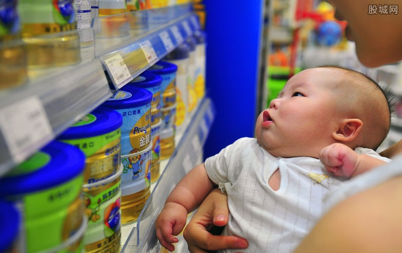 孩子一个月奶粉多少钱 购买也要小心这些问题