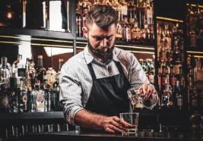 调酒师多少钱一个月月薪过万有可能吗?