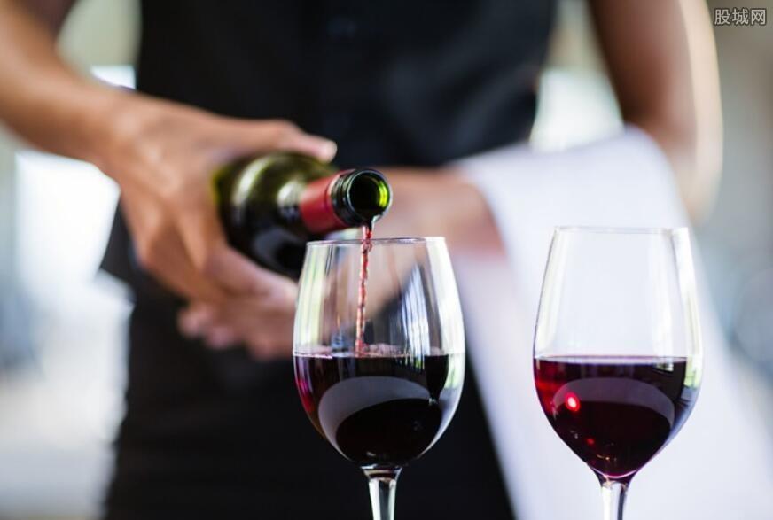 法国拉菲红酒的价格 82年拉菲一瓶20万