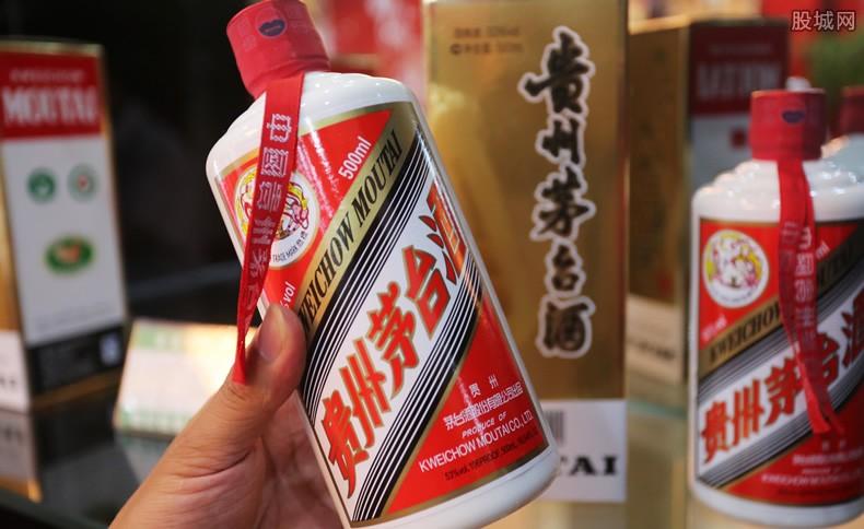 五粮液老酒多少钱一瓶 今年价格很贵吗?